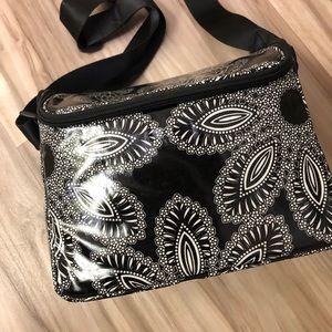 Vera Bradley Stay Cooler Blanco Bouquet lunch bag